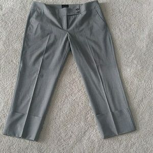 Light gray capri trouser pant